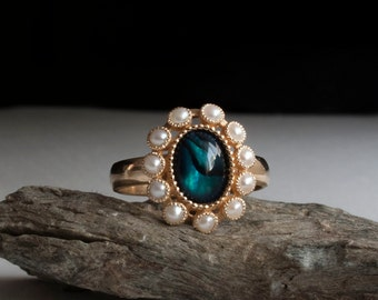 Antique Victorian Gold Ring - Flower Ring - Pearl ring - Abalone - 1800s - Victorian pearl ring - rare ring - estate ring - gothic ring