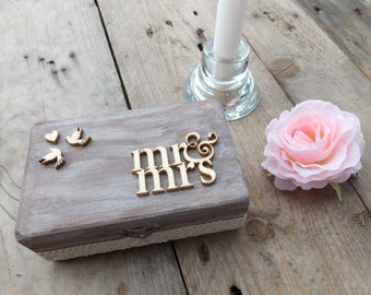"Ring Bearer Box ""Mr & Mrs"" / Wedding / Ring Box / Wedding Box / Vintage / Ring Holder / Rustic / Wood"