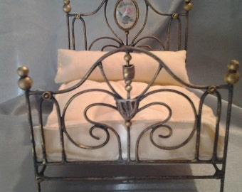 Nice vintage double bed