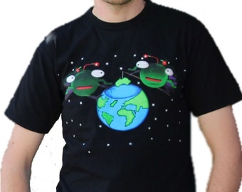 Alien Globe Fishing, Arctic Tees S, M, L, XL: Paranormal, Extraterrestrial, Earth Day, Australia, Quirky, Graphic, Cute, Environmental