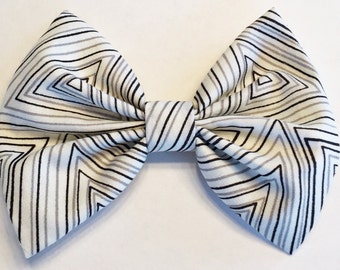 Neutral triangles bow
