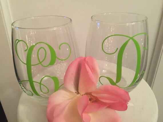 Monogram wine glass vinyl lettering set of 2 wine glasses for Where to buy vinyl letters for wine glasses