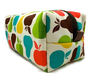 Boxy Bag Dopp Kit Toiletry Bag Travel bag Makeup Bag in Apples and Pears