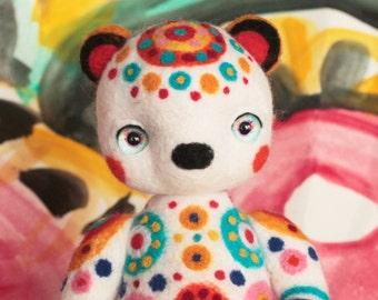 needle felted Bear / woolen toy /