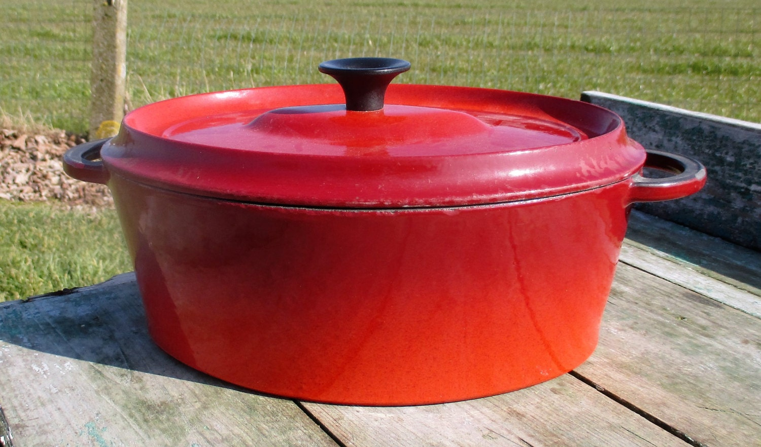 vintage french le creuset style red cast iron dutch oven. Black Bedroom Furniture Sets. Home Design Ideas