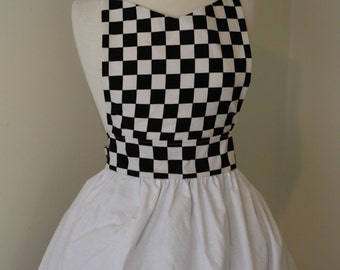 CLEARANCE SALE Retro Waitress Apron 50s Car Hop Soda Shop Check Checkered Black White Red Womens Apron Large L for Halloween Costume