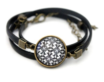 """Bracelet black leather 3 rounds with cabochon """"graphic stars in black and white"""" brass vintage"""