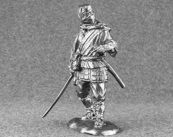 Miniature Action FigureJapanese Ninja Sculpture 54mm Toy Soldier 1/32 Scale Tin Metal Antique