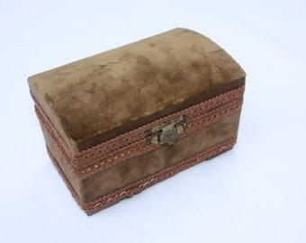 mid century folk art jewelry box