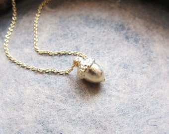 Tiny acorn pendant necklace,acorn necklace,nature necklace,gold acorn necklace,silver acorn necklace