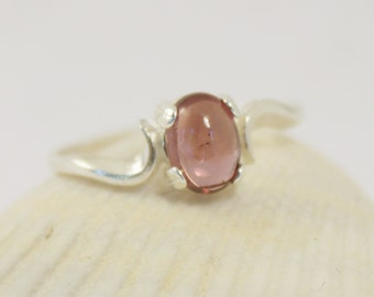 Garnet Ring, Garnet Cabochon Ring, Raspberry Garnet, Silver Garnet Ring, Garnet Silver Ring, Sterling Silver, Natural Garnet, Swirl Ring