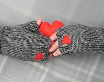 Valentines Day Gift Heart Knit Gloves Fingerless Gloves with Heart Grey Heart Gloves Grey Heart Mittens Wool Fingerless Valentine Fashion