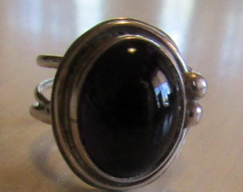 Sterling Silver and Purple Glass Cab Ring  Size 5 3/4