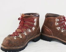vintage Vasque hiking boots, classic leather ankle boot, women's size 7.5