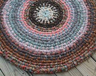 Round Swedish Braided Rag Rug, Hand Woven Rustic Rag Rug, Apartment Area Rag Rug, Kitchen Mat, RV Floor Decor, Vintage & Recycled Fabric Rug