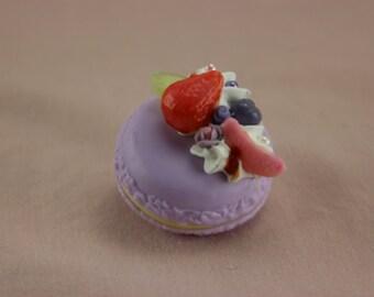 KAWAII Deco Sweets Berry Macaroon Clip
