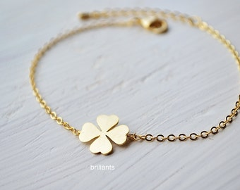 Four leaf clover bracelet, Lucky charm, Everyday jewelry, Bridesmaid jewelry, Wedding bracelet, Bridesmaid gift, Simple, Minimal