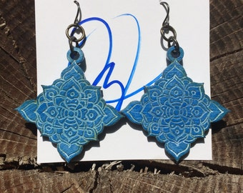 Diamond shape earrings blue glazed