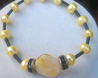 Yellow Mother-of-Pearl Bracelet