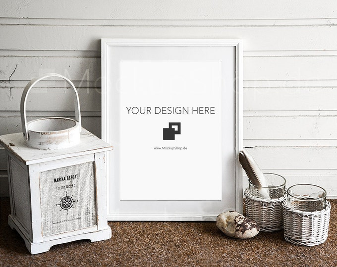 5x7 PHOTOFRAME  MOCKUP in white in front of wooden wall, mockup, old lantern, mockup Decoration, empty frame mockup, digital mockup frame
