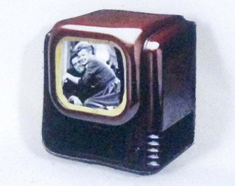Lucy & Desi Pin, Handcrafted Wood, Jewelry Brooch, I Love Lucy Show, Mid-Century Modern, 1950s TV, Sit-Com, Desi Arnaz, Fred Ethel Mertz