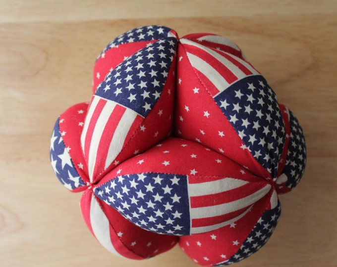 HALF PRICE ** Geometric Montessori Puzzle Ball. Baby Clutch Ball. Sensory Learning Toy. Soft and Safe for indoor Kid's and Baby Play