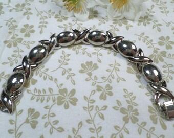 Beautiful Vintage Silver Tone Link Bracelet DL# 8128