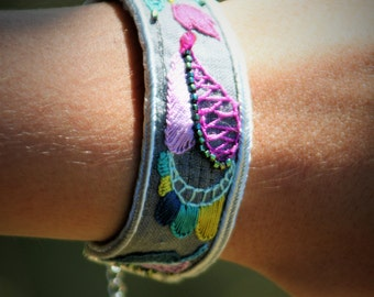 Bracelet spring /a nice gift for her
