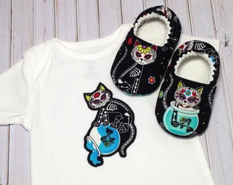 Day of the Dead Baby Shoes and Bodysuit, Soft Sole Baby Shoes, Baby Shower Gift, Kitty baby outfit, Halloween, Dia de los Muertos,