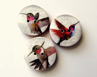 Hummingbird buttons 18mm reds and white