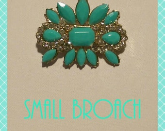 Small Broach in Mint Green and Goldtone