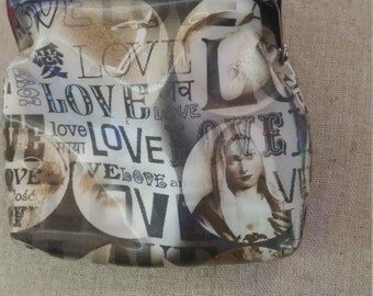 Love love love black and white lenticular coin purse. Pre loved .