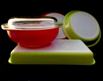 Vintage Pyrex Collection in Green and Pink