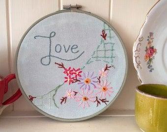 embroidery hoop art 'Love'