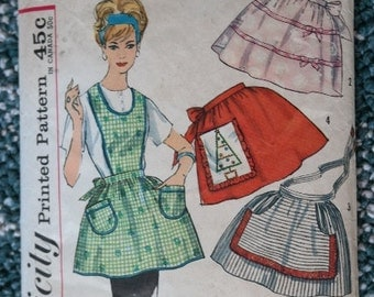 Simplicity 4213 Vintage Sewing Pattern or a Full or Half Apron with Pockets- Complete