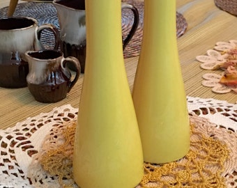 MIKASA CERA-STONE Mid Century Salt & Pepper Shakers, Yellow Porcelain Kitchen and Dining, Made in Japan