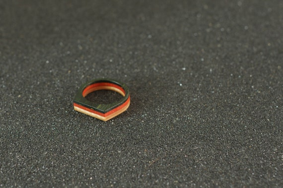 SKATEBOARD recycled ring orange and green (wood)