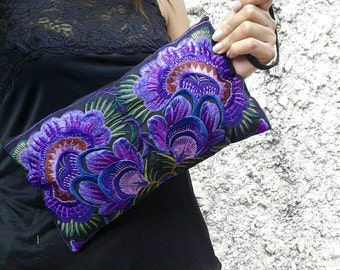 Retro long Purse Floral Hand Clutch Bags Embroidered Hippie Boho Style Wallet Gypsy Folk Embroidery Wristlet Cellphone Pencil case in purple