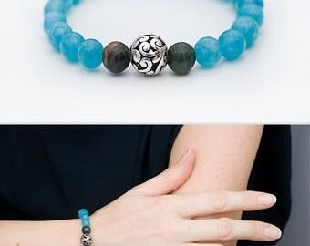 Aquamarine bracelet Blue feminine bracelet with aquamarine and agate beads Gemstone beaded bracelet Women stackable stretch bracelet Yoga