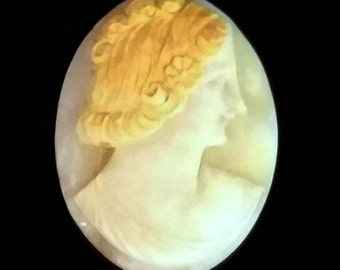 Vintage Italian Carved Shell Cameo // European Antique Treasure! // Unset