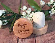Personalized Wooden Wine Cork - Wooden Wine Stopper - Engraved Wine Stopper - Wedding Favor - Wedding Gift - SMALLER QUANTITY