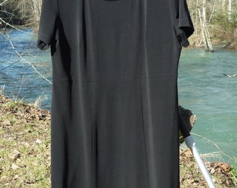 TILLEY ENDURABLES Large Black Dress Canadian Made Wash,Hang, and Wear