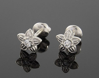Flower earrings, Flower stud, Small earrings, Small stud, 925 silver stud, Silver stud earrings, Everyday stud, Casual stud, Cute stud