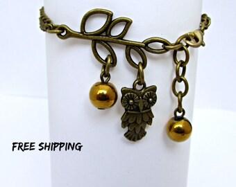 Gold bracelet owl. Owl charm bracelet. Lucky bracelet. Gift for girls. Minimalist bracelet. Kids owl bracelet. Gift for owl lovers. Hoot owl