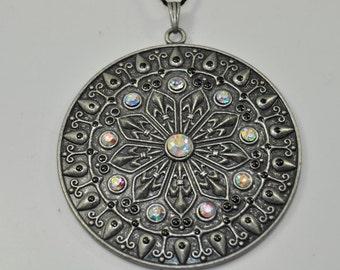 Large Ornate Fluer-de-Lis Pendant /141