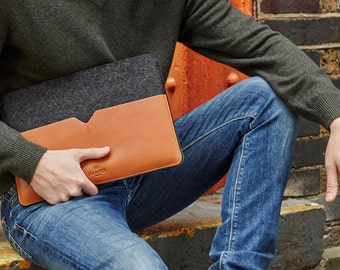 "13"" MacBook Pro Retina - Black Edition Leather Sleeve Case and Wool Felt Laptop Cover Handmade"