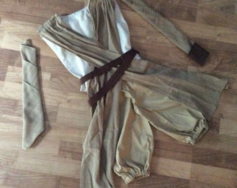 Star Wars Rey inspired outfit costume for girls which includes arm wraps, belt, wrist wrap, tunic and capris-knickers-pants.
