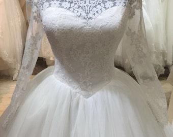 Long Sleeve Lace Modest Bride Muslim Wedding Dress