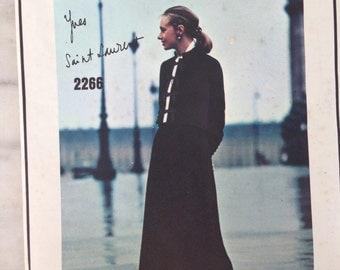 vintage Vogue pattern #2266 Yves Saint Laurent Paris Original size 8 1970