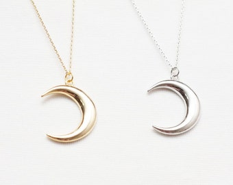 Crescent Moon Necklace, Star Necklace, Night Necklace, Simple Necklace, Daily Necklace, Necklace for womens, Plated Necklace